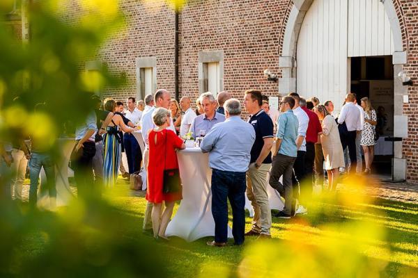 168 Plato-ondernemers breken record Plato summerdrink