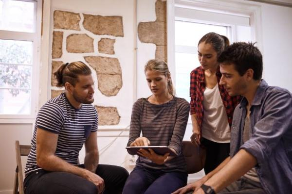 Leidinggeven aan en rekruteren van millennials
