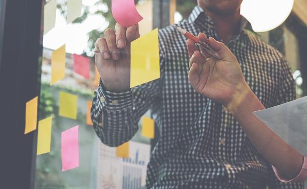 Tussen crisis en toekomst? Laat communicatie een motor zijn voor je strategie.