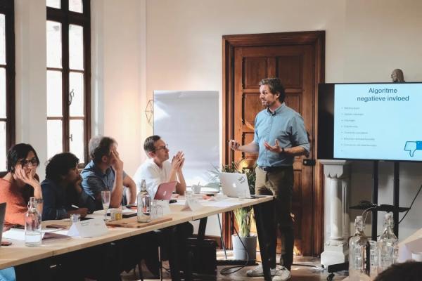 Ondernemingen sterker uit de crisis met KamerAcademie-opleidingen Voka – Kamer van Koophandel Vlaams-Brabant