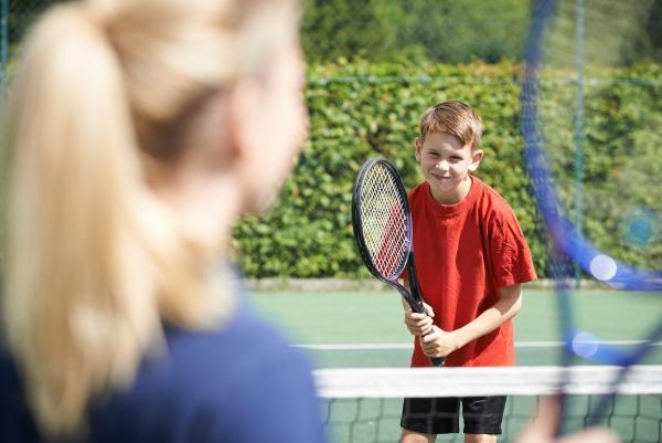 Voka West-Vlaanderen tipt lokale besturen over Sportwerk Vlaanderen als partner voor noodopvang kinderen
