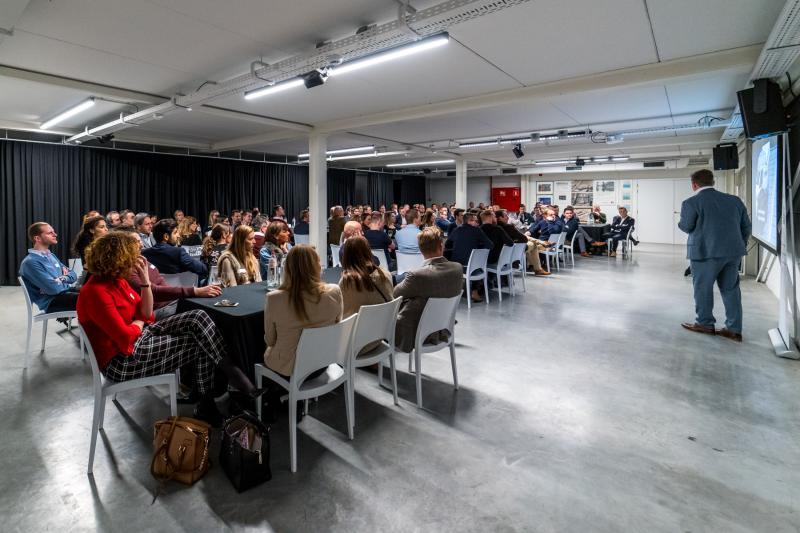 Fotoalbum: Young meets Raad van Bestuur Voka-KvK Limburg