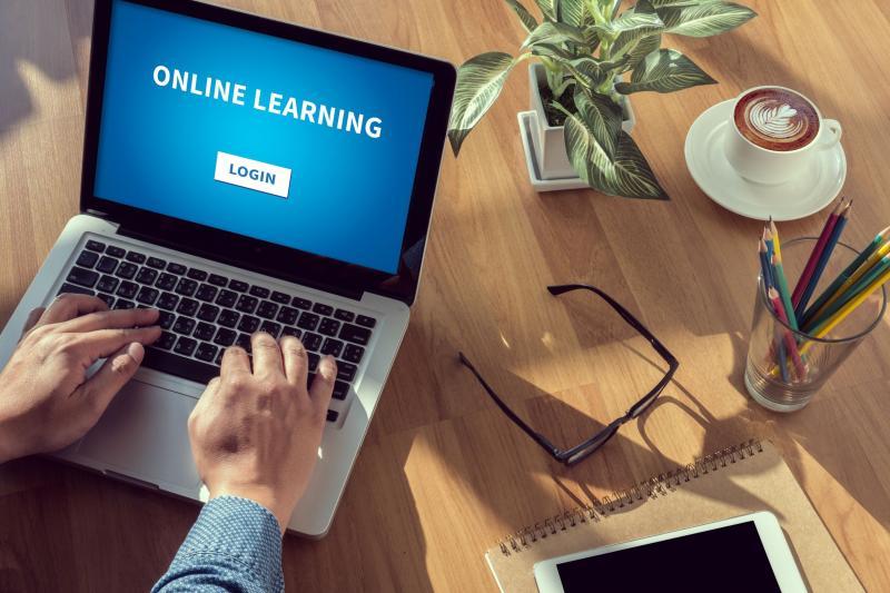 laptop met online training