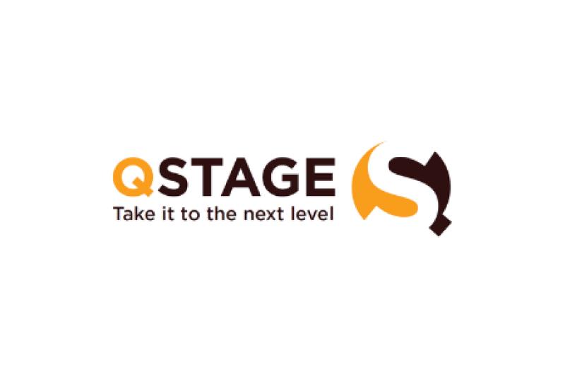 logo q stage label