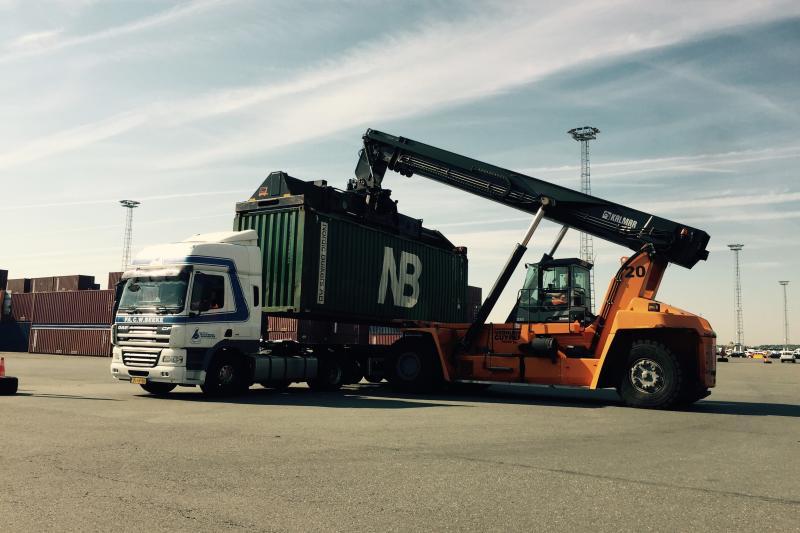 vrachtwagen haven