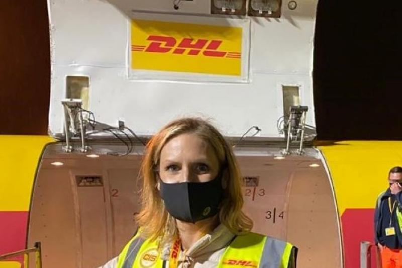 Allessia Claes (N-VA) vliegt de nacht in met DHL Aviation in Zaventem