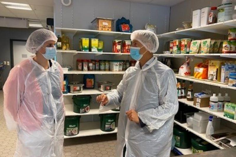 Maaike De Rudder (CD&V) ontdekt actief de gezondheidszorg bij AZ Nikolaas