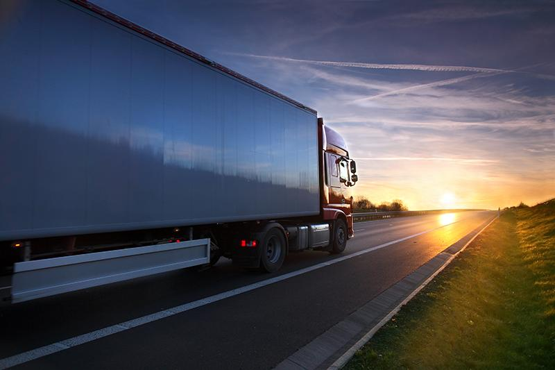 Lange Zware Vrachtwagen