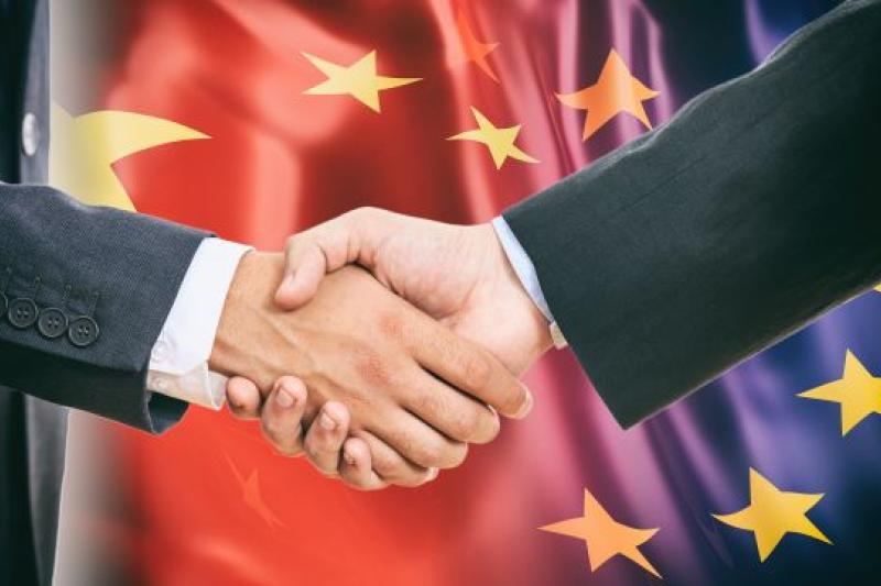 handshake China EU