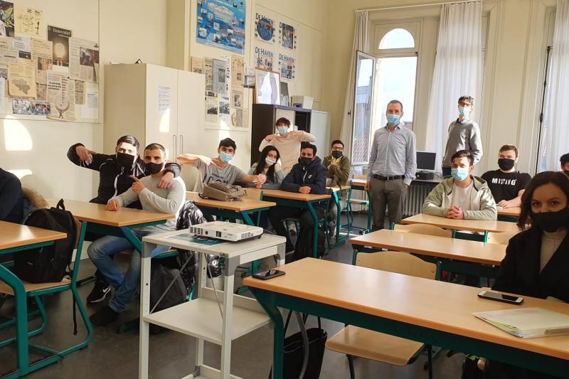 Leerlingen bij Ondernemers voor de Klas Vlajo